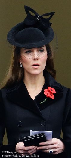 Kate & Queen Máxima Attend Remembrance Sunday