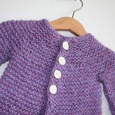 Little Garter Cardi - simple top-down free pattern by Ragga Eiríksdóttir (size 2 months-2 years)