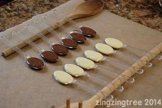 Homemade Chocolate Spoons Are The Perfect Last Minute Gift - - Homemade chocolate spoons look stunning and are quick, easy and economical to make. The perfect last minute gift for friends, family and teachers. Chocolate Spoons, Hot Chocolate Bars, How To Make Chocolate, Homemade Chocolate, Homemade Food, Diy Food, Hot Chocolate Gifts, Chocolate Crafts, Chocolate Party