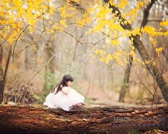 framing your subject in photography by Krista Campbell // clickin moms Photography Lessons, Autumn Photography, Photography Tutorials, Digital Photography, Photography Poses, Little Girl Photography, Children Photography, Family Photography, How To Pose