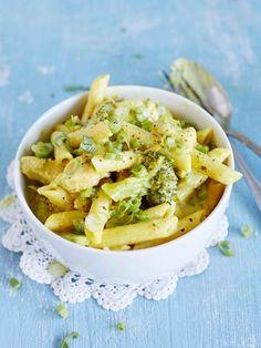 One pot -kanapata – vartissa lautasilla ja vain yksi kattila tiskiä Pasta Dishes, Food Inspiration, Macaroni And Cheese, Cabbage, Curry, Food And Drink, Soup, Vegetables, Eat