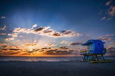Sunrise in Miami by vishwesh #miami #florida #miamibeach #sobe #southbeach #brickell #miami