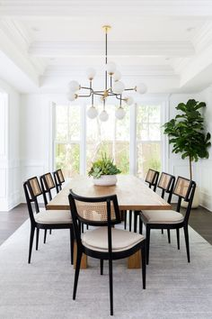 Bright and airy California casual living room and formal dining room by LA interior designer Lindsey Brooke Design dining room design Living + Dining Room: Brentwood Project — Lindsey Brooke Design Interior Ikea, Home Interior, Kitchen Interior, Interior Paint, Casual Dining Rooms, Formal Living Rooms, Dining Room Modern, Modern Living, Beautiful Dining Rooms