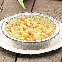 Campfire Mac n Cheese- This would be great   for the kids!    Maybe add some ham too?  Hmmm............