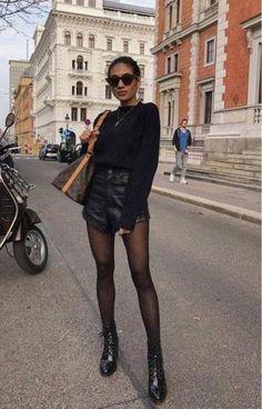 Trend Fashion, Fashion Week, Fashion Outfits, Womens Fashion, Fashion Fashion, Winter Fashion, Fashion Ideas, All Black Fashion, Moda Fashion