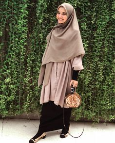 ideas for fashion quotes dress inspiration Street Hijab Fashion, Muslim Fashion, Modest Fashion, Fashion Outfits, Dress Fashion, Trendy Dresses, Modest Dresses, Modest Outfits, Casual Dresses