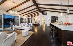 Neutral Territory - Mila Kunis Los Angeles Mansion - Photos