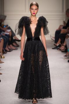 Marchesa - New York Fashion Week / Spring 2016 #fashion