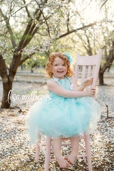 children, orchards, pose, chair