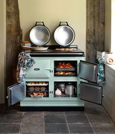 The Ultimate Gift Guide for Foodies & Food Lovers A frequent question we get asked in our showrooms is how an AGA range works. Learn more about this unique and stunning piece of kitchen equipment that is popular in many European homes. Gas Stove For Sale, Stoves For Sale, Best Appliances, Kitchen Appliances, Aga Kitchen, Kitchen Ideas, Slate Appliances, Vintage Appliances, Kitchen Inspiration
