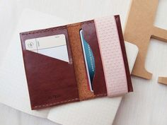 Personalized Card Holder with Elastic Band - Leather - Reddish Brown - Hand Stitched