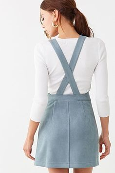 Forever 21 is the authority on fashion & the go-to retailer for the latest trends, styles & the hottest deals. Vest Outfits For Women, Edgy Outfits, Classy Outfits, Cute Outfits, Clothes For Women, Vestidos Jumper, Mini Vestidos, Skirt Fashion, Fashion Dresses