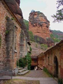 Santuario de la Virgen de la Hoz en el Parque Natural del Alto Tajo