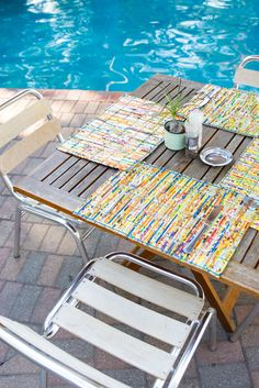 Enjoy your lunch at the swimming pool or order some snacks and drinks.