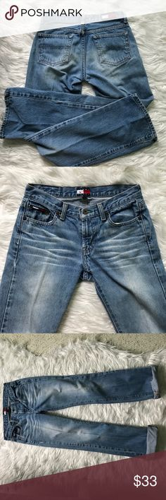 Tommy Jeans Lightly used in really good condition 👖✨ would fit a 0 size Tommy Hilfiger Jeans Boot Cut