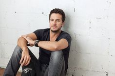Vote: What should Luke Bryan sing on TODAY Aug. 16?