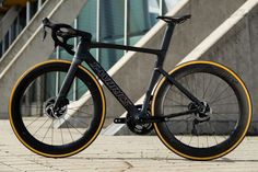 Specialized Venge 2019 - All-new aero frame with discs and electronic gears only Mountain Bike Accessories, Mountain Bike Shoes, Cool Bike Accessories, Mountain Biking, Cycling Art, Cycling Bikes, Cycling Equipment, Cycling Quotes, Cycling Jerseys