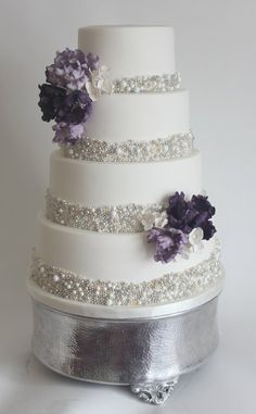 Pearls   Winter Wedding Cake   Gorgeous