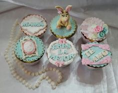 vintage mother day cupcakes