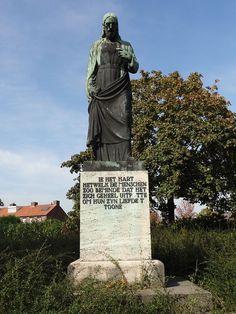 Boxmeer - Heilig Hartbeeld op de hoek van de Beugenseweg en de Frans Halsstraat.jpg