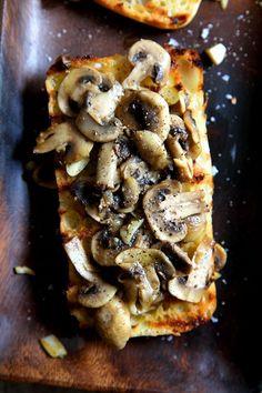 Simple Garlic Mushroom Bruschetta | http://DonalSkehan.com