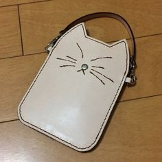 {EE1DC953-1708-48D0-8FA0-342883D208F1} Leather Bag Design, Animal Bag, Cat Crafts, Leather Backpack, Iphone Cases, Backpacks, Cat Stuff, Cats, Sewing Ideas