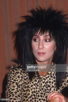3231993-circa-1987-a-headshot-of-american-pop-singer-gettyimages.jpg (398×594)