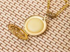 LAVENDER+Solid+Perfume+Locket+(golden)+from+Jessica&CoJewelry+by+DaWanda.com