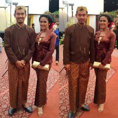 Kutubaru is Javanese #kebaya design.