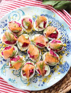 Beet deviled eggs with smoked salmon are a crowd-favorite around the holidays. #beetdeviledeggs #deviledeggs #beeteggs Holiday Appetizers, Yummy Appetizers, Appetizer Recipes, Yummy Recipes, Snack Recipes, Deviled Eggs, Smoked Salmon, Base Foods, Drink