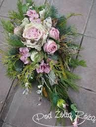 Znalezione obrazy dla zapytania dekoracje nagrobne Casket Flowers, Grave Flowers, Cemetery Flowers, Funeral Flowers, Wedding Flowers, Funeral Floral Arrangements, Flower Arrangements, Cemetary Decorations, Flowers In The Attic