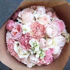 bouquet of little pink flowers My Flower, Fresh Flowers, Pink Flowers, Beautiful Flowers, Flowers Pics, Flower Bomb, Fall Flowers, Colorful Flowers, Ikebana