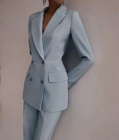Suit Fashion, Look Fashion, Fashion Dresses, Fashion Design, Classy Outfits, Chic Outfits, Suits For Women, Clothes For Women, Professional Outfits