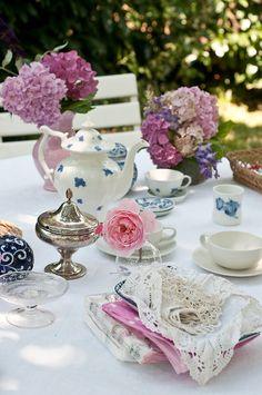 Tea Party by Ilva Beretta