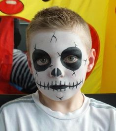 Halloween face painting for kids - Skeleton face paint idea kids makeup boys 11 Amazing Halloween Face Painting Ideas for Kids Kids Skeleton Face Paint, Face Painting Halloween Kids, Halloween Makeup For Kids, Skeleton Face Makeup, Zombie Face Paint, Vampire Face Paint, Skeleton Costume Kids, Facepaint Halloween, Skull Face Paint