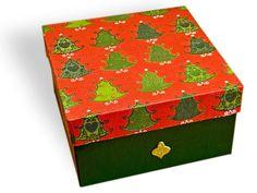 "Gift box ""Christmas three"" (31 LEI la pia792001.breslo.ro) Gift Boxes, Decorative Boxes, Christmas, Gifts, Xmas, Presents, Wine Gift Sets, Navidad, Noel"