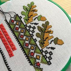 Geometric patterns and embroidery floss oakling Cross Stitch Bookmarks, Cross Stitch Rose, Cross Stitch Borders, Cross Stitch Flowers, Cross Stitch Designs, Cross Stitching, Cross Stitch Patterns, Beaded Embroidery, Cross Stitch Embroidery