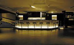 Comptoir bar rétro-éclairé à usage professionnel plissé cascade or réf. B-002 DACRYL®