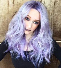 Georgeous silver violet hair color and style by Guy Tang Hair Artist hotonbeau Silver Purple Hair, Silver Lavender Hair, Lavender Hair Colors, Violet Hair Colors, Purple Gray, Silver Color, Silver Hair Colors, Purple Grey Hair, Purple Bob