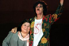 Mercedes y Charly. Mercedes Sosa, 90s Aesthetic, Arte Pop, Musical, Christmas Sweaters, Sari, Crossover, Folklore, Women