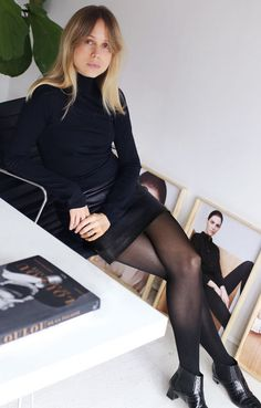 Elin Kling in a black leather mini skirt paired with a fitted long sleeve turtleneck and black tights Elin Kling, Casual Chic, Office Fashion, Paris Fashion, Song Of Style, My Style, Fashion Gone Rouge, Estilo Blogger, The Blonde Salad