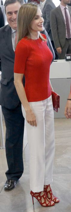 Queen Letizia - Red and white. Mango caged sandals.