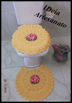 IDeia Artesanato: Jogo de banheiro flor mosquitinho. https://www.facebook.com/IDeiaArtesanato