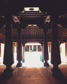 One of the most striking aspects of Chettinad is its exceptionally gigantic, architecturally brilliant and… Chettinad House, Architecture Old, Vintage Decor, Buddha, Decor Ideas, Mansions, House Styles, Heart, Artist