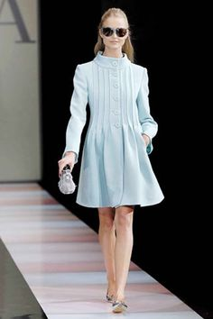 See the complete Emporio Armani Fall 2007 Ready-to-Wear collection.