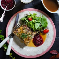 Kålpudding - klassiskt recept | Mitt kök One Pot Meals, Lchf, Deli, Quinoa, Ramen, Food And Drink, Ethnic Recipes, Drinks, Drinking