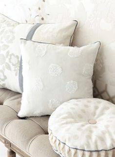 Love the tucking on the boxing strip of the round pillow.