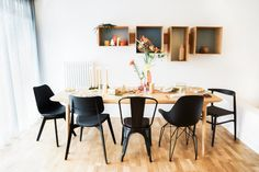 Mismatched Chairs, Dining Room, Dining Table, Barbie Dream, Scandinavian Interior, Decoration, New Homes, Interior Design, Kitchen