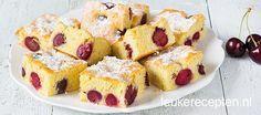 Dit luchtig zomers gebak met kersen is heel makkelijk te maken en binnen een uurtje klaar