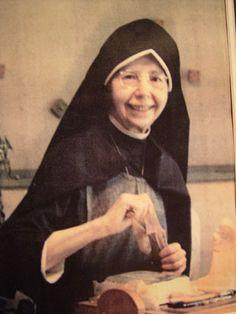 International Marian Research Institute Home : University of Dayton, Ohio Corporate Women, University Of Dayton, My Favorite Image, Mother Mary, Pro Life, My Passion, Portraits, Catholic, Saints